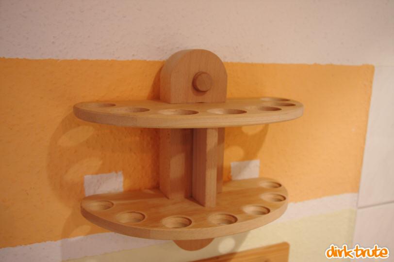 bauanleitung f r einen gew rzst nder mit wandhalterung aus holz. Black Bedroom Furniture Sets. Home Design Ideas